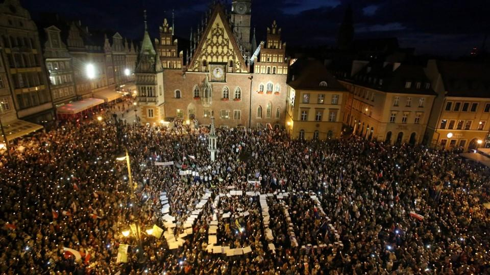 polen protesten tegen overhaul suprem court in wroclaw