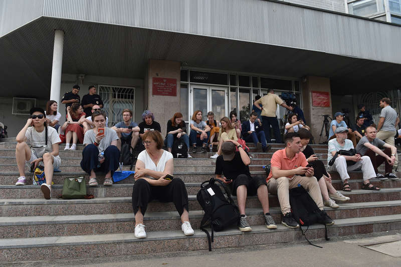 journalists and supporters of ivan golunov near the building of the nikulinsky districtionsl court 2019 06 08