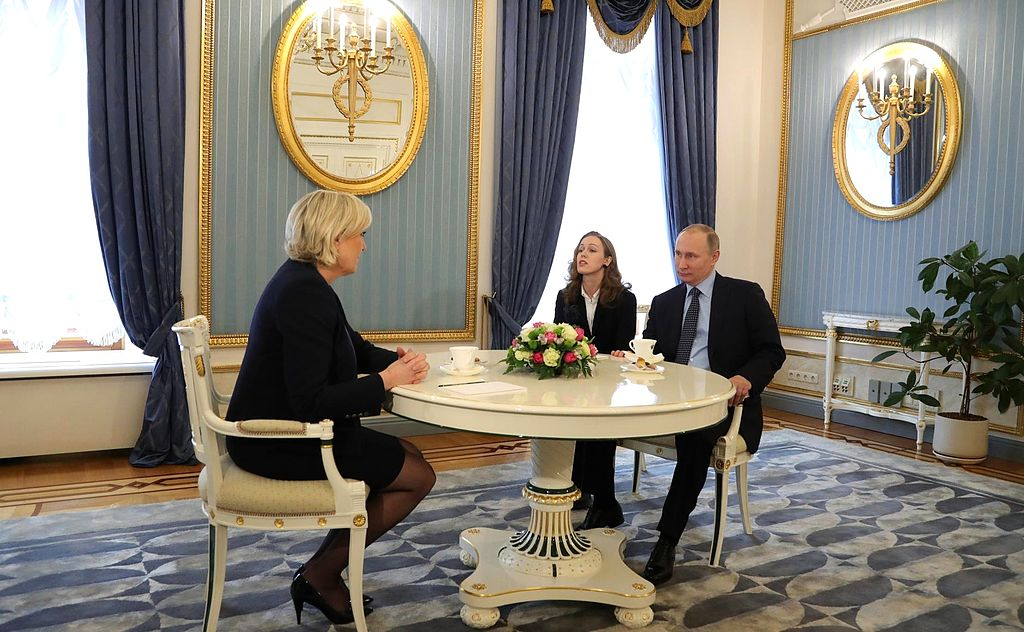 Marine Le Pen and Vladimir Putin 2017 03 24 02